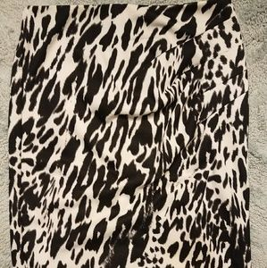 New York and Company animal print pencil skirt 8